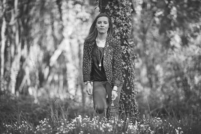 Shooting photo en mode Alice | Jupette & Salopette