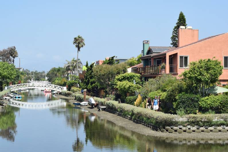 Venice Canal Historic District | Jupette & Salopette