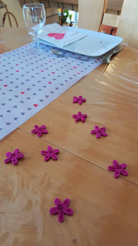 Chemin de table et serviettes de la marque Mesa Bella | Jupette & Salopette