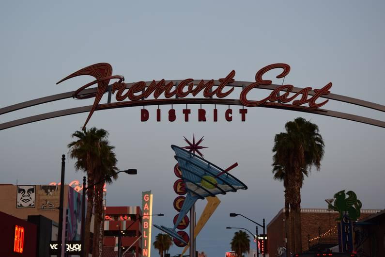 Fremont East Districs - Las Vegas | Jupette & Salopette