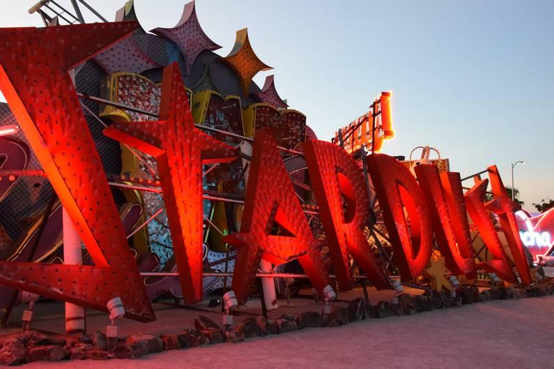 Le Neon Museum - Las Vegas | Jupette & Salopette
