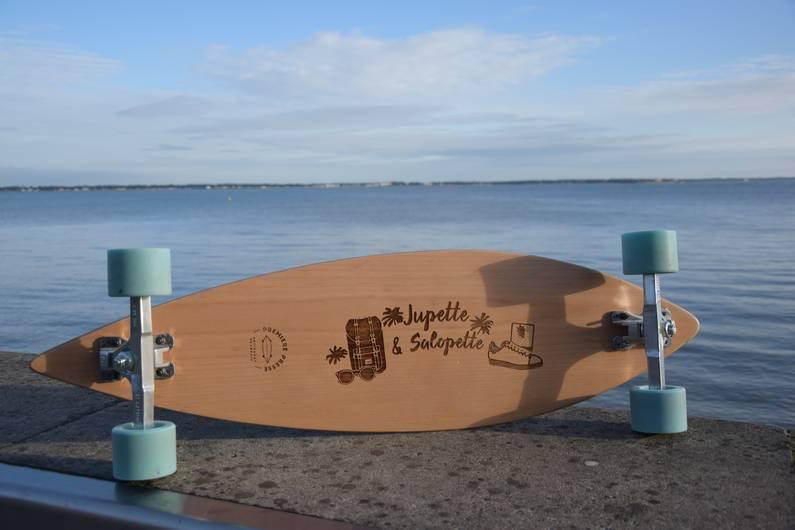 Longboard personnalisée Première Presse | Jupette & Salopette