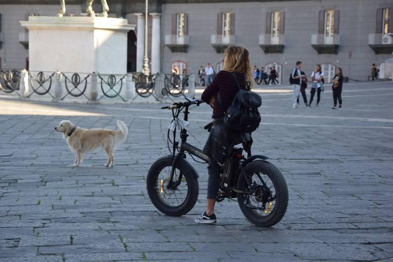 Piazza del Plebiscito à Naples | Jupette & Salopette