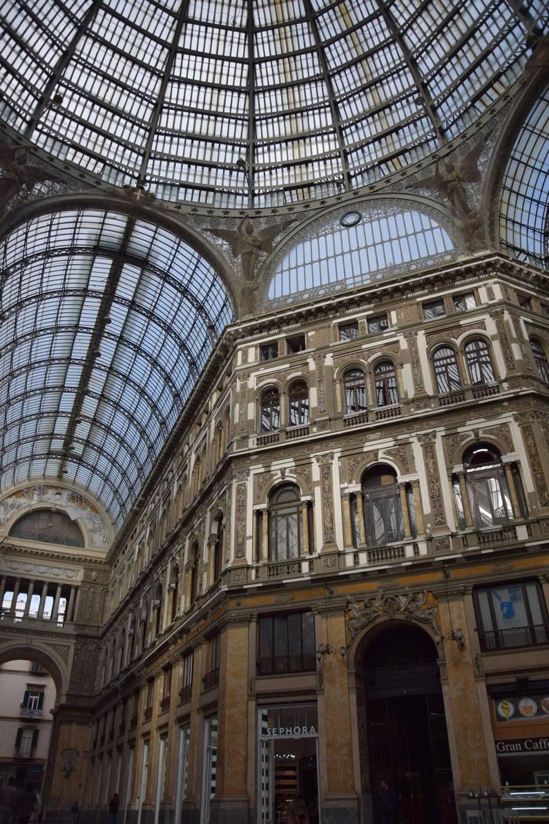 Galleria Umberto à Naples | Jupette & Salopette