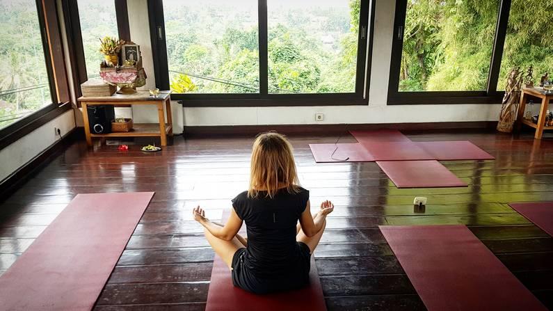 Séance de Yoga à Ubud - Bali | Jupette & Salopette