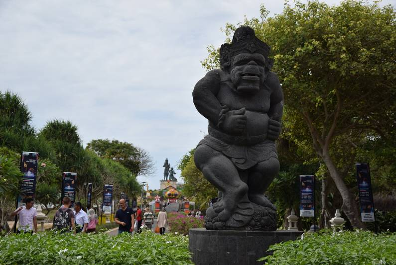 Nusa Dua à Bali | Jupette & Salopette