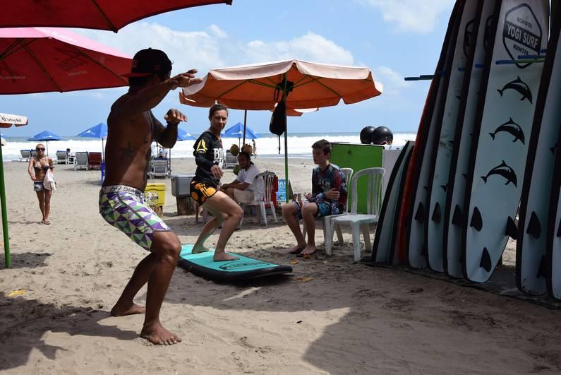 Leçon de surf à Legian- Bali | Jupette & Salopette