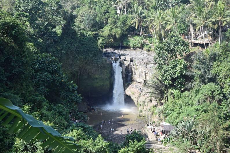 Tenenungan Waterfall à Bali | Jupette & Salopette