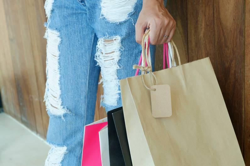 Soldes 2019 : et si on choisissait de se faire un dressing plus responsable ? | Jupette & Salopette