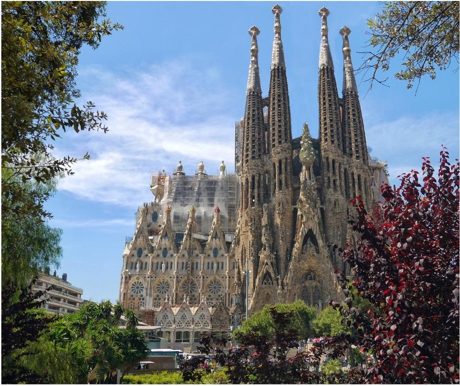 La Sagrada Familia - Barcelone | Jupette & Salopette
