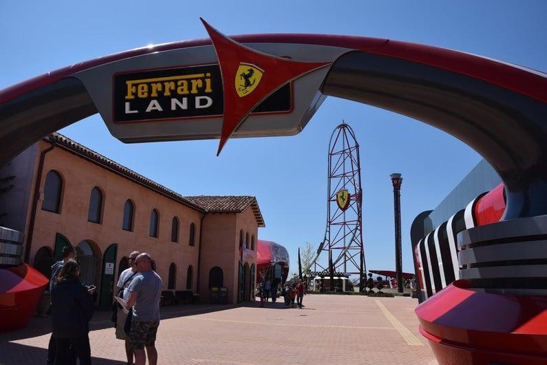 Ferrari Land - Portaventura World | Jupette & Salopette