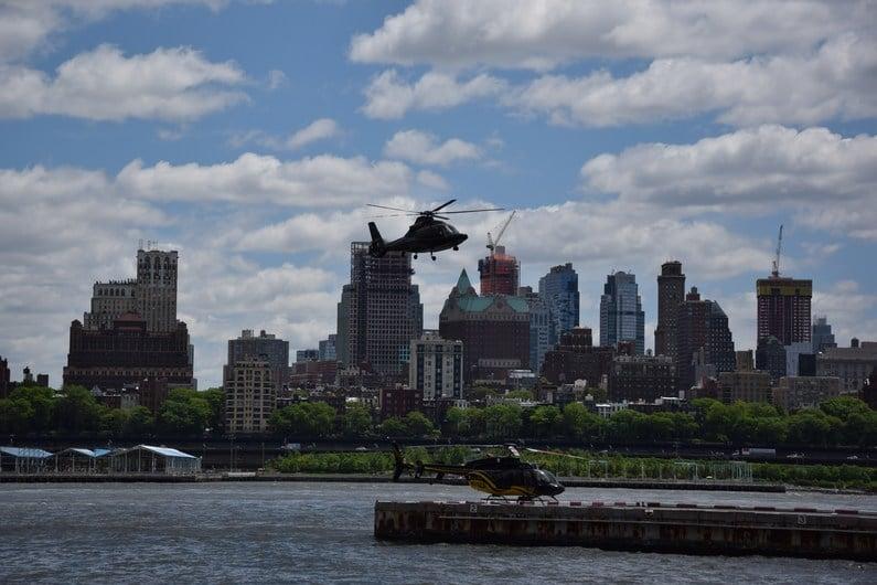 Vol en hélicoptère HeliNY | Jupette & Salopette
