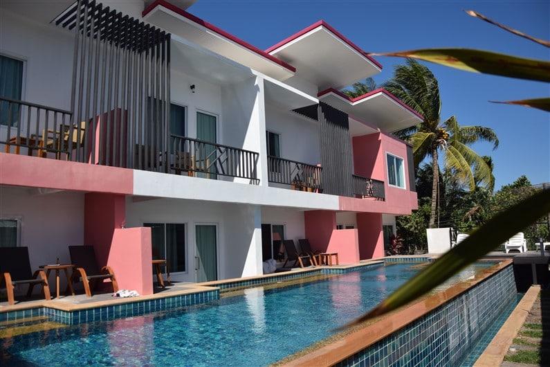 Pinky Hotel | Jupette & Salopette