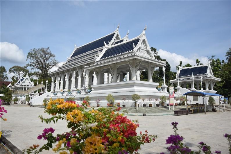 Wat Kaew Korawaram | Jupette & Salopette