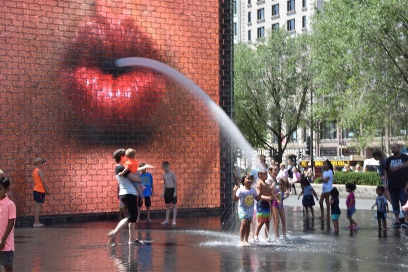 Crown Fountain Chicago | Jupette & Salopette